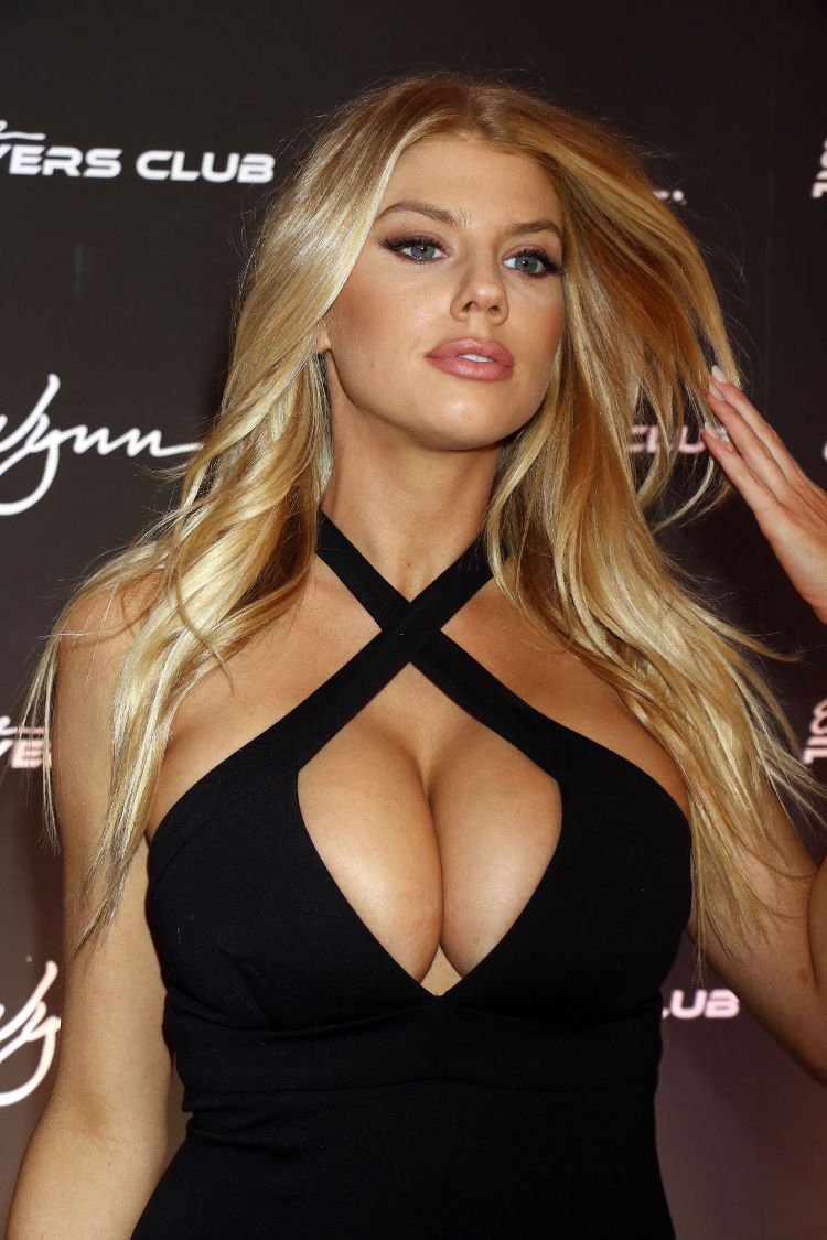 41 Charlotte Mckinney Real Hot Chicks